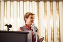 """Katy Jacob reads her essay """"Chicago, You Are Trying to Break My Heart"""" at The Frunchroom. Photo by Holly Donovan."""